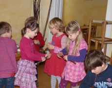 Schnitzwerkstatt fürs Frühlingsfest